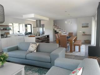 Dalriada~ Upmarket open plan cottage on river bank - Plettenberg Bay vacation rentals