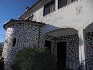 2 appartements de 2 à 6 pers à 2 min du village - Cabeceiras de Basto vacation rentals