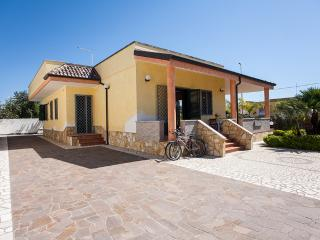 Villa on the Ionian Sea, 3 bedrooms and 2 bathroom - Sant'Isidoro vacation rentals