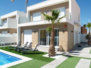 Fabulous contemporary 3 bedroom villa with pool - San Pedro del Pinatar vacation rentals
