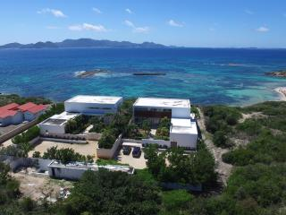 WEDDINGS, FAMILIES Enjoy 2 Full Oceanfront Villas! - Blowing Point vacation rentals