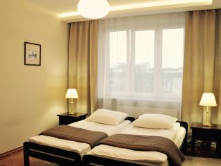 3 bedroom Apartment with Internet Access in Krakow - Krakow vacation rentals