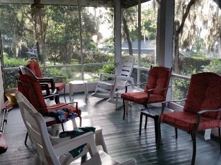 Southern Hospitality in Large Home - Starke vacation rentals