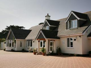 Nice 4 bedroom Bed and Breakfast in Porthleven - Porthleven vacation rentals