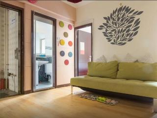 City Center 3-Bdr sleeps 9 next to  Jordan MRT 14i - Hong Kong vacation rentals