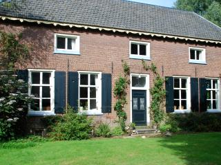 Beautiful farmhouse for 10 persons + large garden. - Zoelen vacation rentals