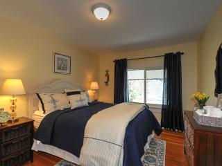 Harvest Moon Bed and Breakfast - Queen Room - Summerland vacation rentals
