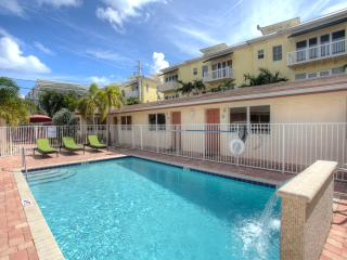 2BR Villa newly remodeled by the Ocean,Beach, pool - Lauderdale by the Sea vacation rentals