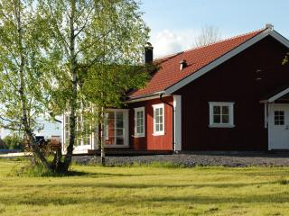 Nice Villa with Hot Tub and Boat Available - Koping vacation rentals