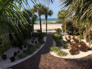 Pass-A-Grille on Beach Views 1 bedroom Sleeps 2 - Saint Pete Beach vacation rentals