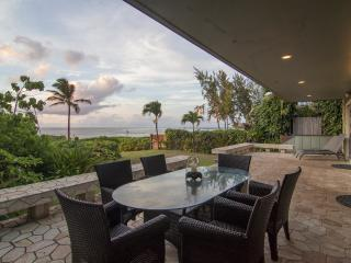 Luxurious Beachfront Villa on Oahu's Sunset Beach - Sunset Beach vacation rentals