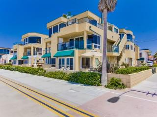 Nice House with Wireless Internet and Television - Mission Beach vacation rentals