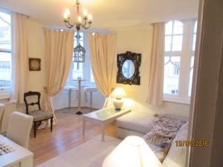 Luxury accommodation in town centre - Bournemouth vacation rentals