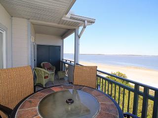 Savannah Beach & Racquet Club Condos - Unit C307 - Ocean Front - Swimming Pool - Tennis - FREE Wi-Fi - Tybee Island vacation rentals