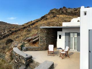 Beautiful 2 bedroom Ormos Agiou Ioannou Villa with Television - Ormos Agiou Ioannou vacation rentals