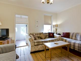 Maidenhead house sleeps 7, near Legoland & Windsor - Maidenhead vacation rentals
