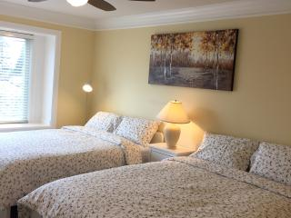 Room201 Spacious and cozy Master Room with Jacuzzi - Burnaby vacation rentals