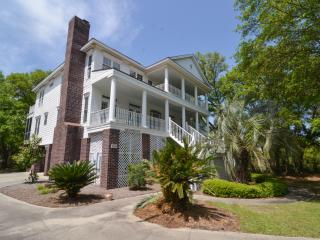 Lovely House with Deck and Dishwasher - Pawleys Island vacation rentals