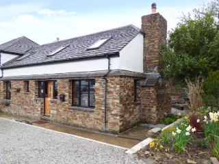 HOLLY COTTAGE, close to beaches, Goonhavern, Ref 930477 - Goonhavern vacation rentals