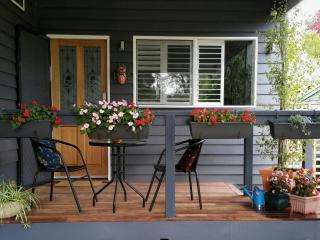 Hepburn Hideaway in the heart of the village - Hepburn Springs vacation rentals