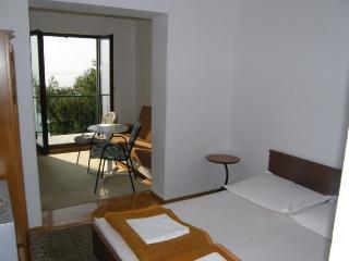 TH03510 Apartments Vela / 11 / One Bedroom - Podgora vacation rentals