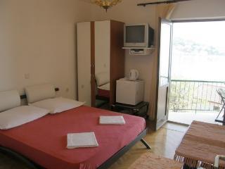 TH03510 Apartments Vela / 25 / Double Room - Podgora vacation rentals