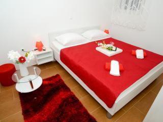 TH01300 Apartments Begonja / Two Bedrooms A4 - Privlaka vacation rentals