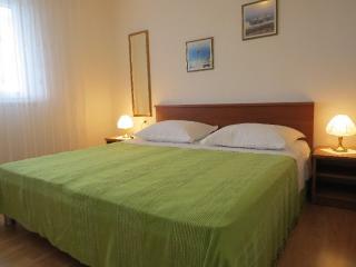TH01968 Apartments Buljan / One bedroom A1 - Mastrinka vacation rentals