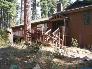 Perfect 3 bedroom Tahoe Vista House with Deck - Tahoe Vista vacation rentals