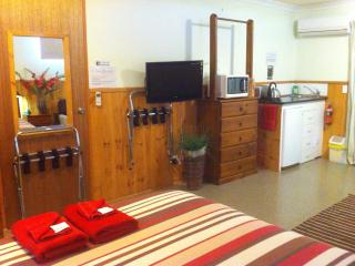 One-Bedroom Beach Unit - Modern, Comfortable, Clean, Central - Hawley Beach vacation rentals