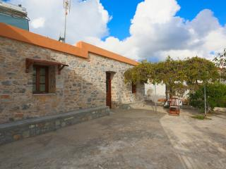 Charming 2 bedroom Vacation Rental in Monolithos - Monolithos vacation rentals
