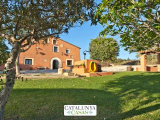 Countryside Masia Gipot for 17 guests, only 20-25 minutes from the beaches of - Santa Margarida i els Monjos vacation rentals