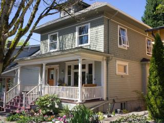 Nice Studio with Television and Microwave - Portland vacation rentals