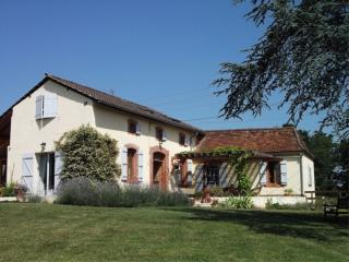 Spacious character farmhouse with 12m private pool - Madiran vacation rentals