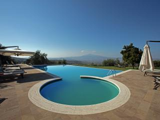 Villa Le Crete, beautiful villa lose in the winding hills of the Senese Crete. - Pienza vacation rentals