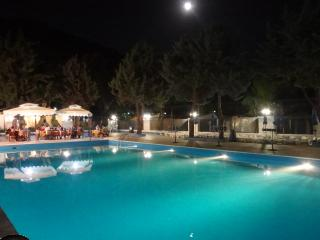 Comfortable Bungalow with A/C and Shared Outdoor Pool - Marina di Camerota vacation rentals