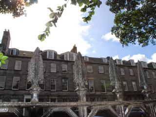 Spacious Condo with Housekeeping Included and Television - Edinburgh vacation rentals