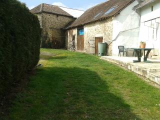 Charming cottage in Perigord sleeps 5 - La Coquille vacation rentals