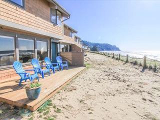 Luxurious Neskowin Oceanfront Sleeps 7! - Neskowin vacation rentals