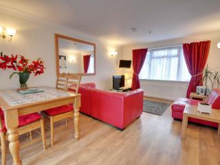 2 Holmdene - Bournemouth Town Centre Two Bedrooms - Bournemouth vacation rentals