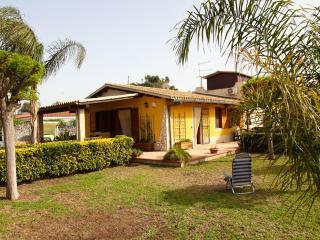 Villa Arenella - Fontane Bianche vacation rentals
