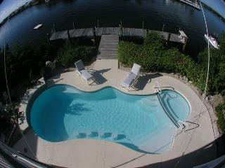 Waterfront Oasis 2500 sq ft w/Pool & Spa on Lagoon - Marathon vacation rentals