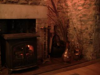 Charming Cottage with Central Heating and Television - Axbridge vacation rentals