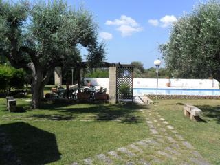 appartamento con giardino e piscina 2 - Campomarino vacation rentals