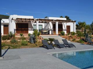 Can Cava: Modern, location & nature - Sant Jordi vacation rentals
