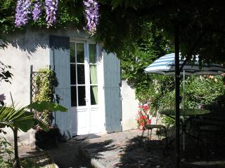 Nice Gite with Internet Access and Shared Outdoor Pool - Monestier vacation rentals