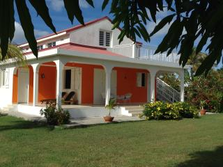 "Séjournez à la ""PEACEFUL VILLA EFY"" - Anse-Bertrand vacation rentals"