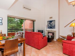 Ciprestes House (Herdade Aroeira) sul Lisboa - Charneca da Caparica vacation rentals