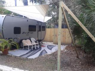 Romantic 1 bedroom Jupiter Caravan/mobile home with Internet Access - Jupiter vacation rentals