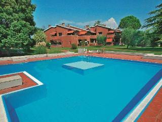 Appartamento con piscina - Lago di Garda Verona - Cisano di Bardolino vacation rentals